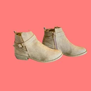 Ankle booties Faux suede